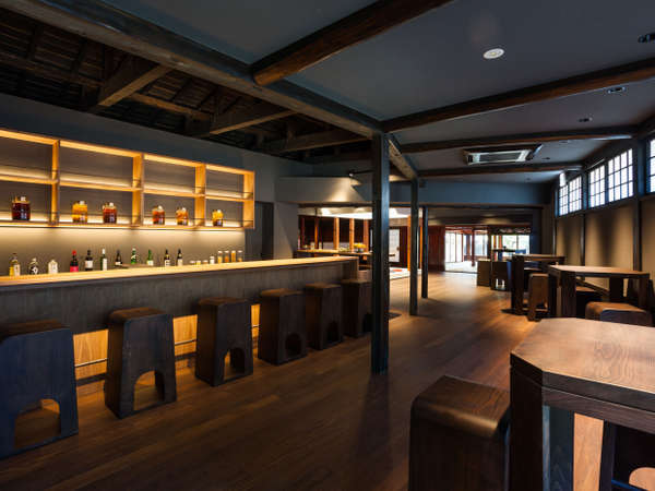 "ryugonでの過ごし方""バー""雪国の酒と話をお楽しみください。"