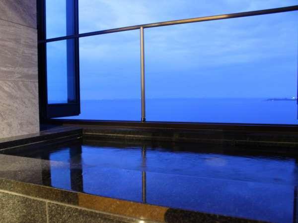 【新館】海を見渡す半露天風呂