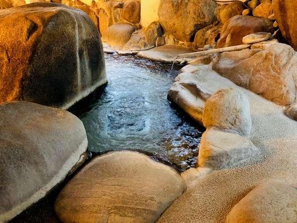 豆狸(mameta)の湯♪2段湯舟の上湯!源泉かけ流しジャグジーが人気!