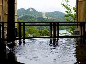 恵那峡を望むゆったりとした貸切露天風呂