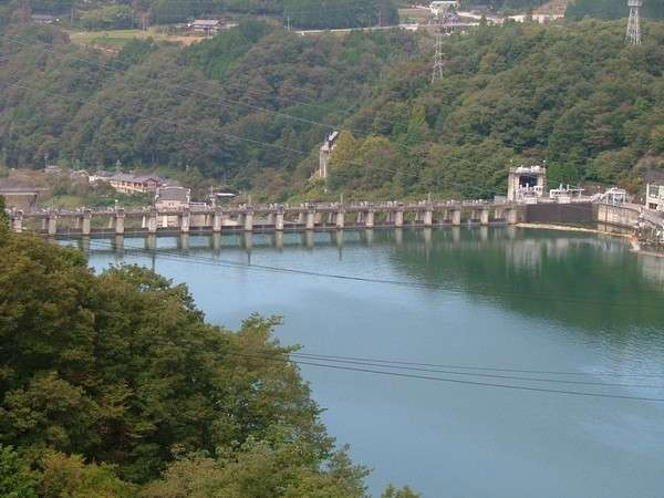 日本最古の水力発電ダム。