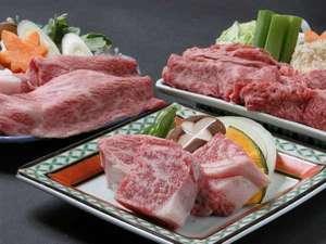 別注料理もできる「選べるプラン」のj上質の飛騨牛(すきやき、しゃぶしゃぶ、陶板焼き各3240円)
