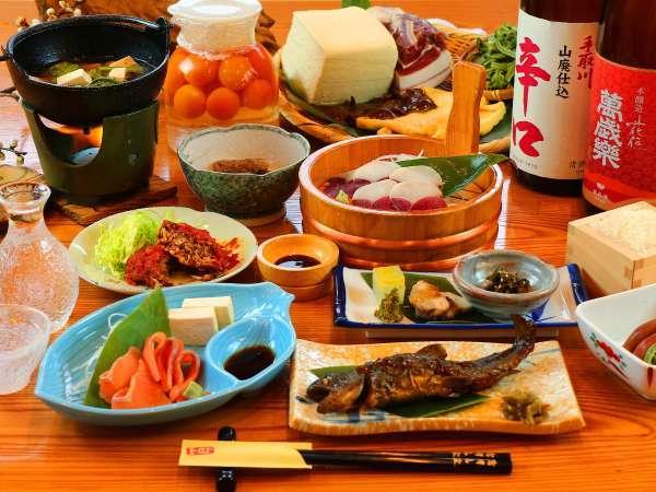 【温泉宿 岩間山荘】【ジビエ料理を楽しめる宿】山菜とジビエと美肌の温泉を堪能♪