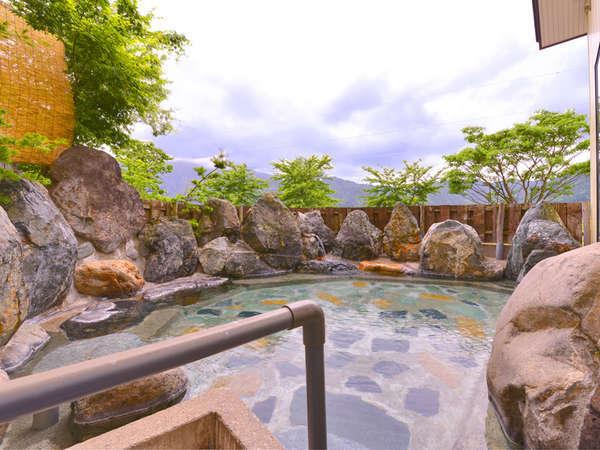 *露天風呂/四季折々の景観を愉しみながら入る露天は最高です!