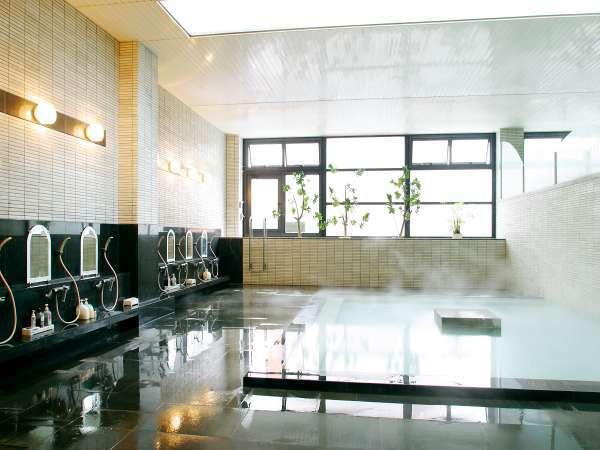 湯けむり漂う道後温泉引き湯の大浴場でゆったりとおくつろぎ下さい