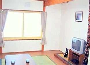 客室例 エアコン 冷蔵庫 地デジテレビ