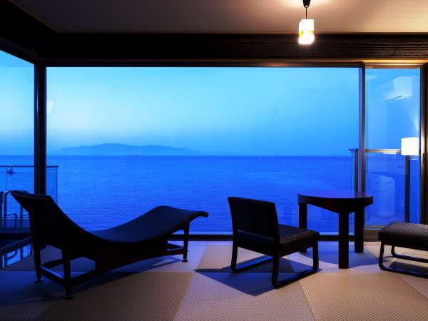 感動露天風呂付客室『天空』空と海との一体感をコンセプトに、くつろぎの空間と非日常の感動を追及