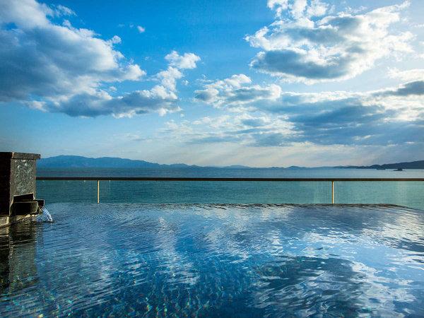 露天風呂付き特別客室『天空』 露天風呂からの景色