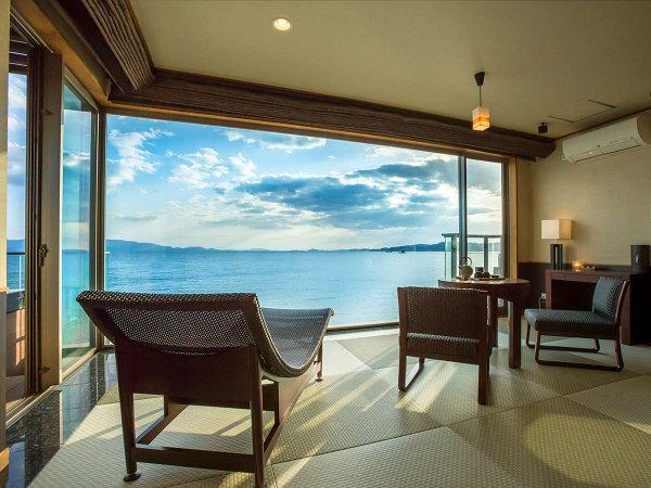 露天風呂付き特別客室『天空』瀬戸内海を望む広々とした室内