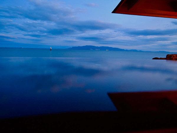 瀬戸内海に面した立地を生かした西日本随一の露天風呂。