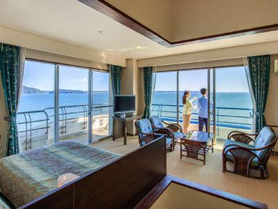 1日5室限定の「角部屋和洋室」は、窓が2面にあるので明るく、開放感のある雰囲気です。