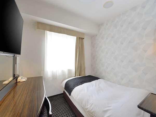 セミダブルルーム(広さ9㎡/ベッド幅120cm×1台)