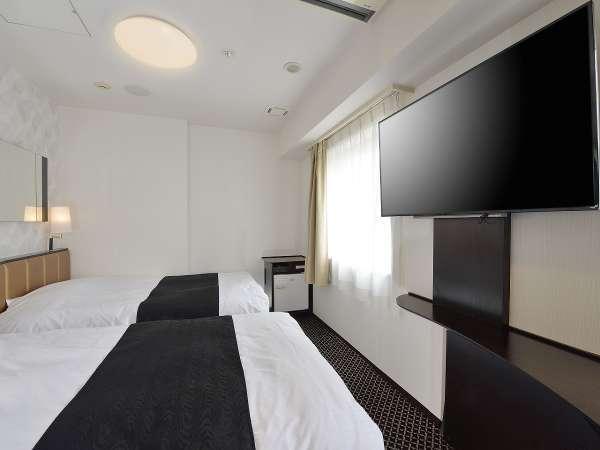 ツインルーム(広さ18㎡/ベッド幅120cm×2台)