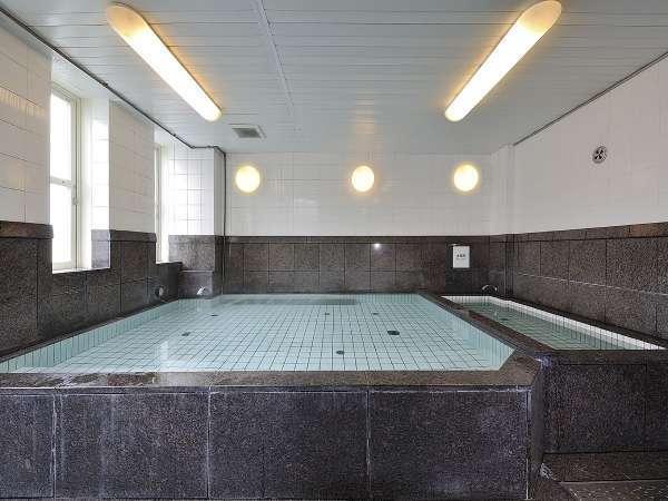 大浴場〈内湯〉(営業時間17時~24時/翌6時~10時)