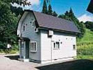 1戸建を丸々貸切で使える宿は2人から可能です