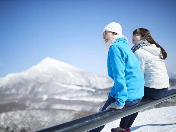 東北最大級のゲレンデ「星野リゾート アルツ磐梯」はホテルの目の前で徒歩0分。