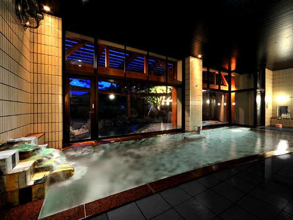 湯船いっぱいに翡翠を総張りにした大浴場「美里の湯」。豊かな自然の景色とともに癒し効果をご堪能下さい。