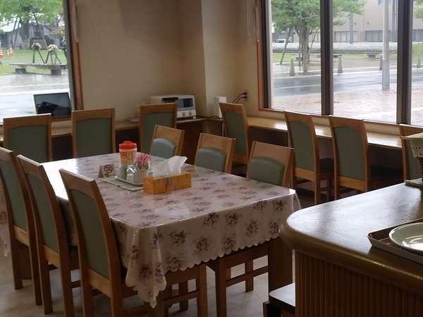 朝食は1階ロービーにてAM6:50より召し上がっていただけます。