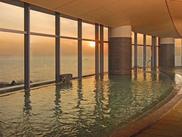 タワー館5階大浴場「海望の湯」季節によって朝日もご覧頂けます♪