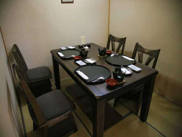 個室の料亭 椅子テーブル席②(一例)
