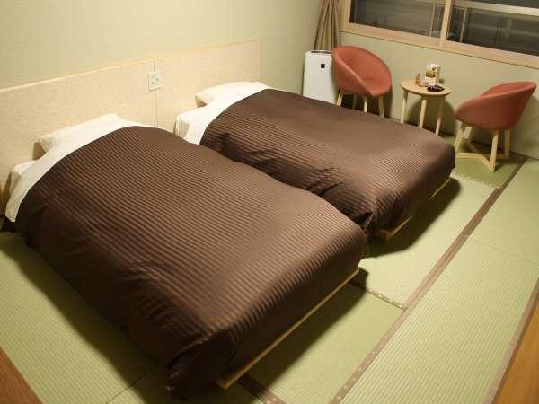 <和室ツイン>畳にローベッドの落ち着いた空間