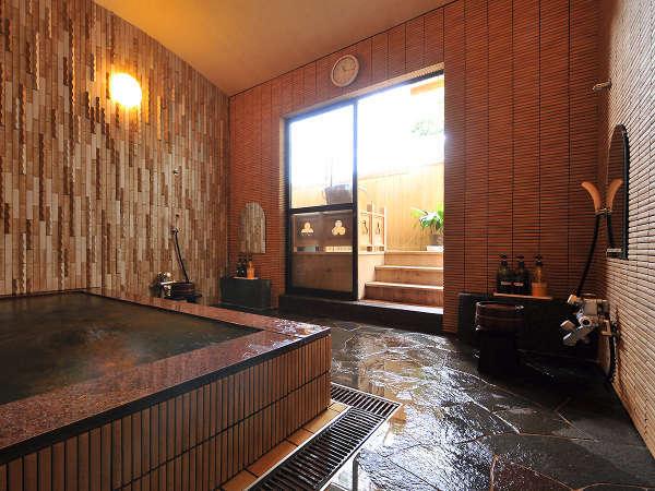 【家族風呂】貸切でご利用いただける家族湯は静かにゆったり入浴されたい方などにおすすめです。