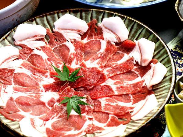 【夕食】自然食で育った天領のもち豚は甘みが強く美味しいです