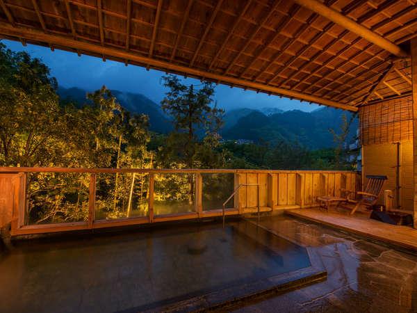 【露天風呂】日本三名泉のひとつ下呂の湯を満喫
