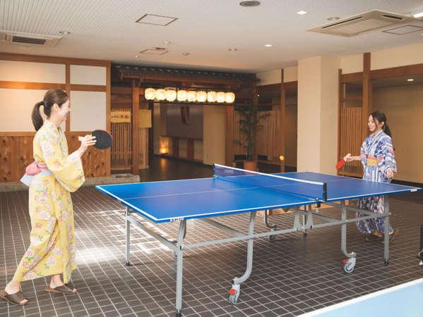 温泉と言えば、やっぱり卓球!!白熱した試合で汗をかいたら、自慢の温泉へどうぞ♪