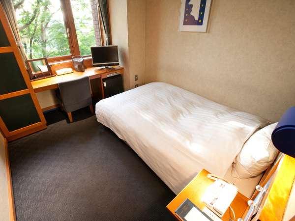 ◆シングルルーム/シンプルで機能的な客室(15㎡)