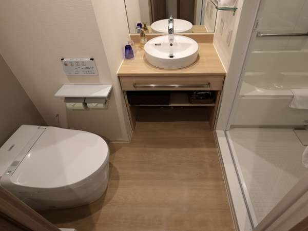 バスルーム、トイレ、洗面台がそれぞれ別々になった水廻り3点独立型スタイルです!