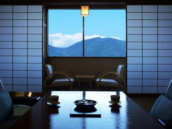 【東館客室】温泉に癒され、のんびり過行く時間に心がときほぐされていく贅沢を