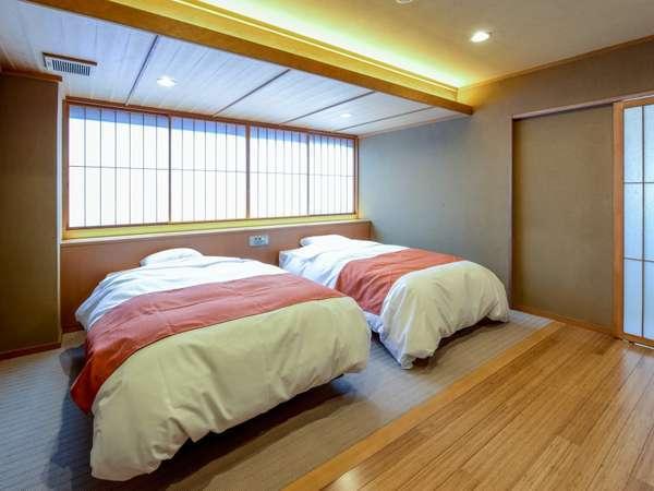 2018年秋に新しく完成した和室と洋室ベッドルームのゆったり広々バリアフリー客室「藤」/洋室