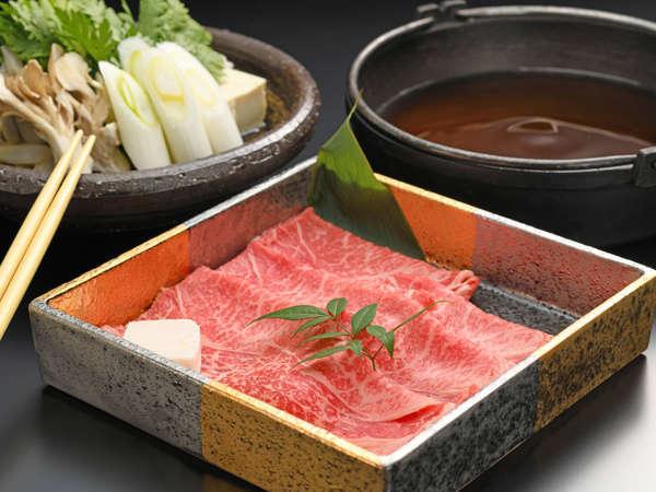 日本三大和牛「米沢牛」を3種の料理で楽しむことができます。