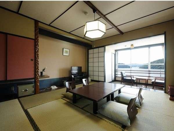 東館(10畳)和室