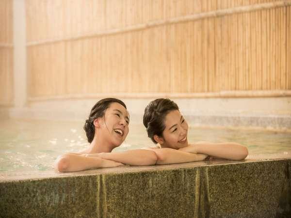 【本館露天風呂】のんびり女子旅・男子旅で温泉はいかがでしょうか?