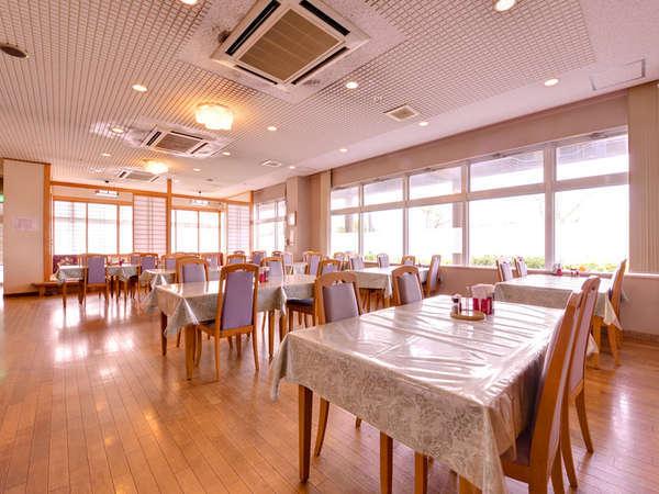 """*レストラン""""月桃""""/糸満漁港の新鮮な魚介を中心に食材へのこだわりと健康を意識したお食事をご用意。"""
