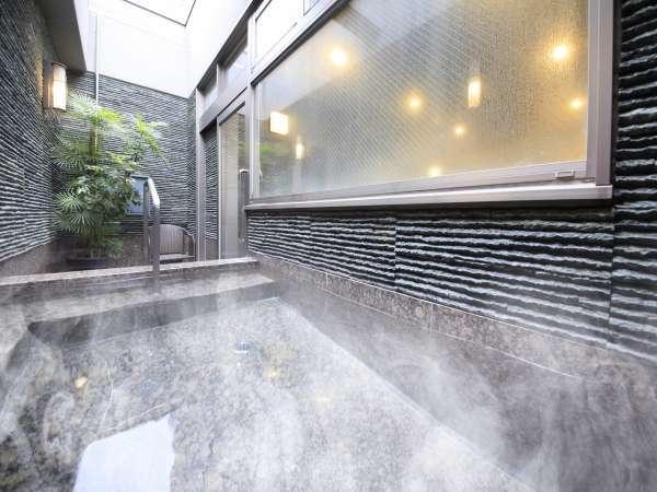 男性大浴場には露天風呂もご用意!