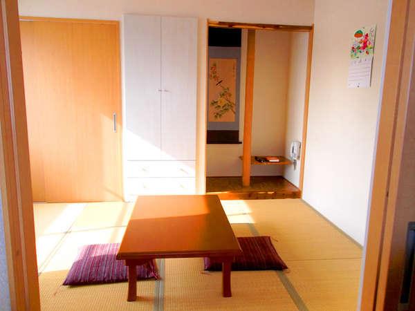 【新館】和室8畳。落ち着きある和室のお部屋
