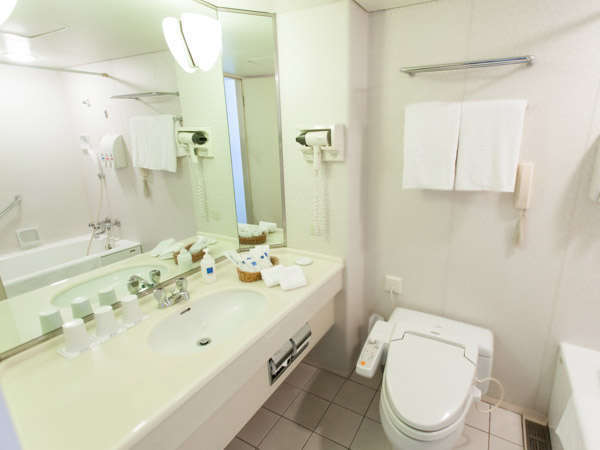 【バスルーム(洋室)】 洋室のバスルームはユニットタイプ