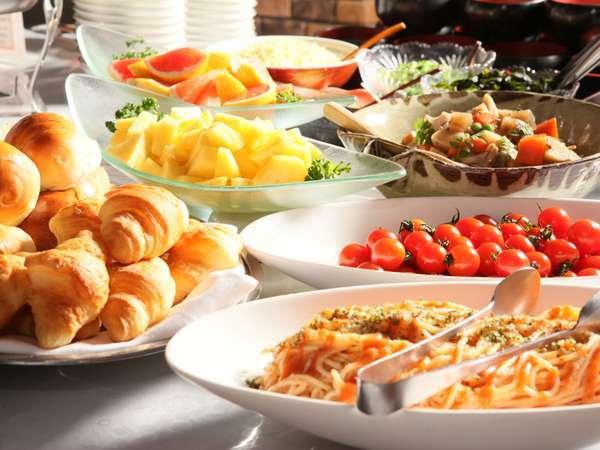◎朝食は和洋のバイキングスタイル。好きなものが選べられるのでお得!(写真は一例です。)