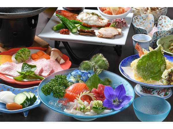 ≪夕食一例≫季節の地元食材を丁寧に調理しています。