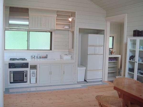 C棟ドックガーデン付き広いキッチンで思いのまま手作りが出来ます。テラスでBBQ雨でもOK