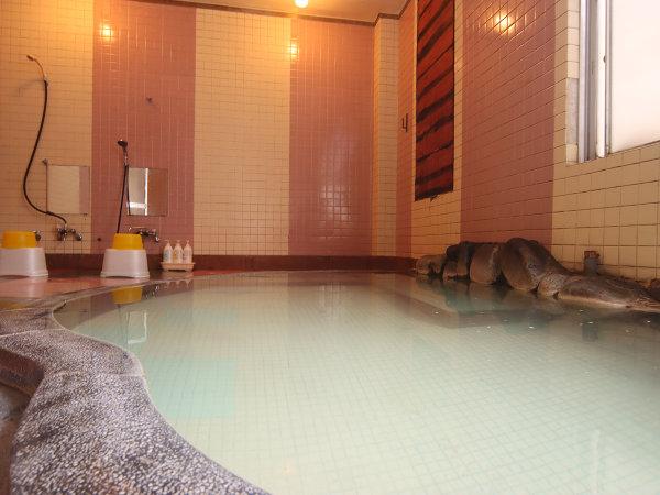 天然の赤倉温泉で旅の疲れを癒やしてください。