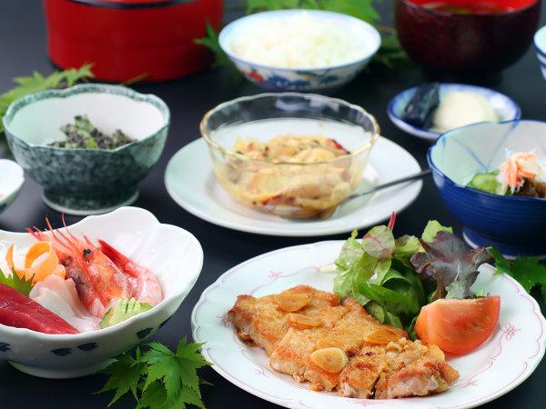 【ご夕食の一例】地元食材中心の手作り料理です。