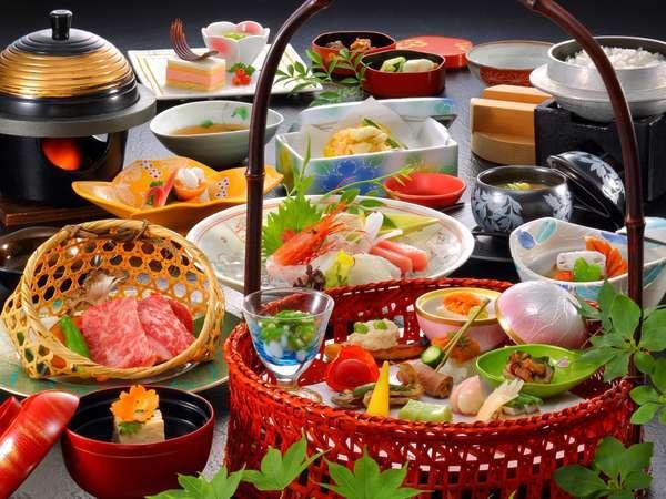 ご夕食は旬の地元食材を活かした手作り会席を目で舌でご堪能ください… (グレードアップ料理一例)