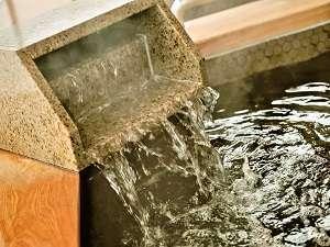 ◆毎日、専用タンクローリーで運びいれる天然温泉は、泉質も抜群