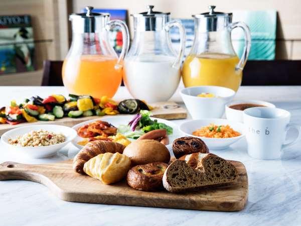<朝食イメージ> バラエティ豊かな朝食ブッフェ。お好みのスタイルでどうぞ!