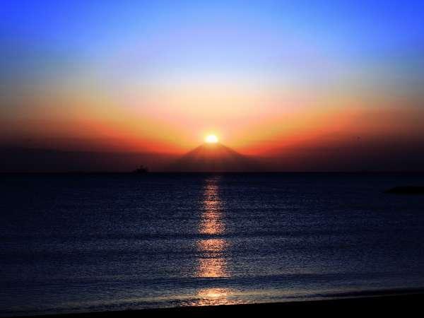 ダイヤモンド富士-昼と夜の境目-