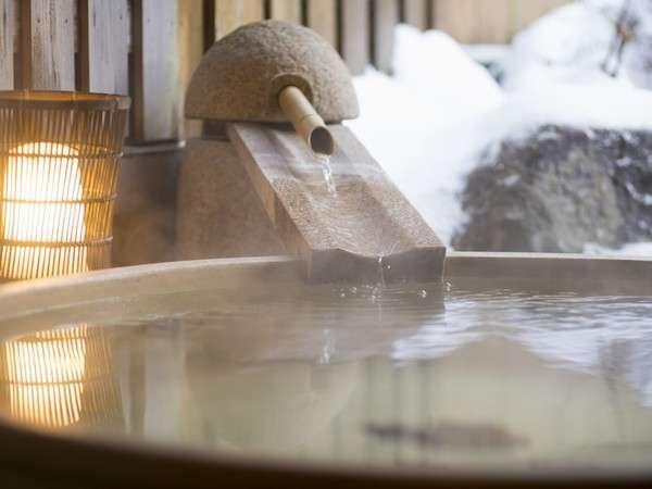 貸切露天風呂と雪景色